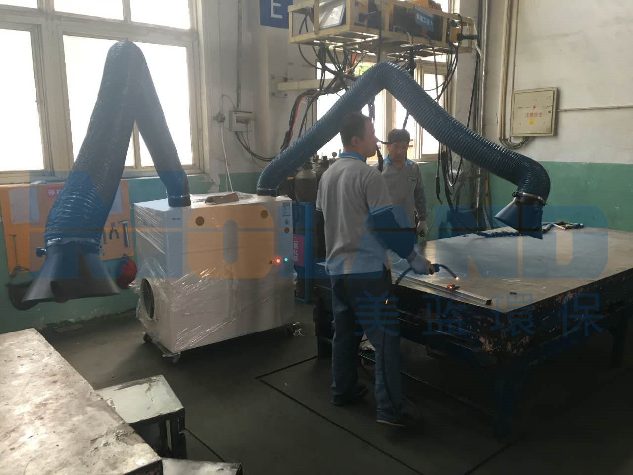 钢结构工程焊接-手动款双臂焊烟处理现场